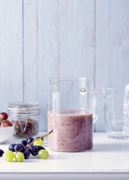Smoothie with banana, grapes and flaxseed - Smoothie with banana, grapes and flaxseed