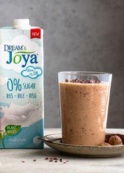 Maroni Shake - Ein Glas mit Maroni Shake, Hafer Drink 0% Zucker und Reis Drink 0% Zucker - © Dream&Joya